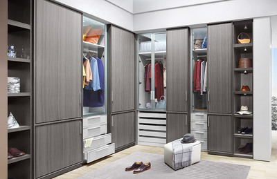 L-Shape-Walk-in-Closet-with-Gray-Finish-azazw01